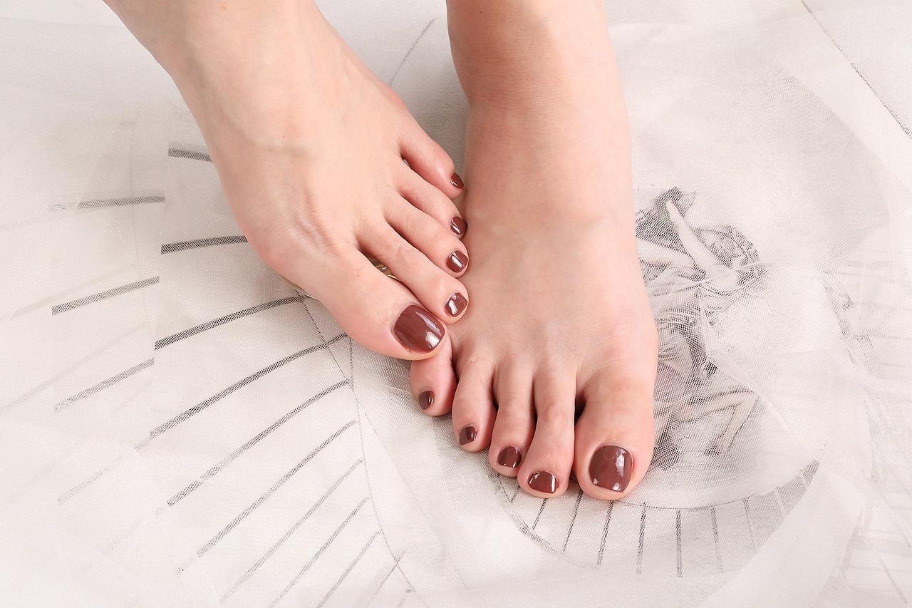 Come tagliare le unghie dei piedi